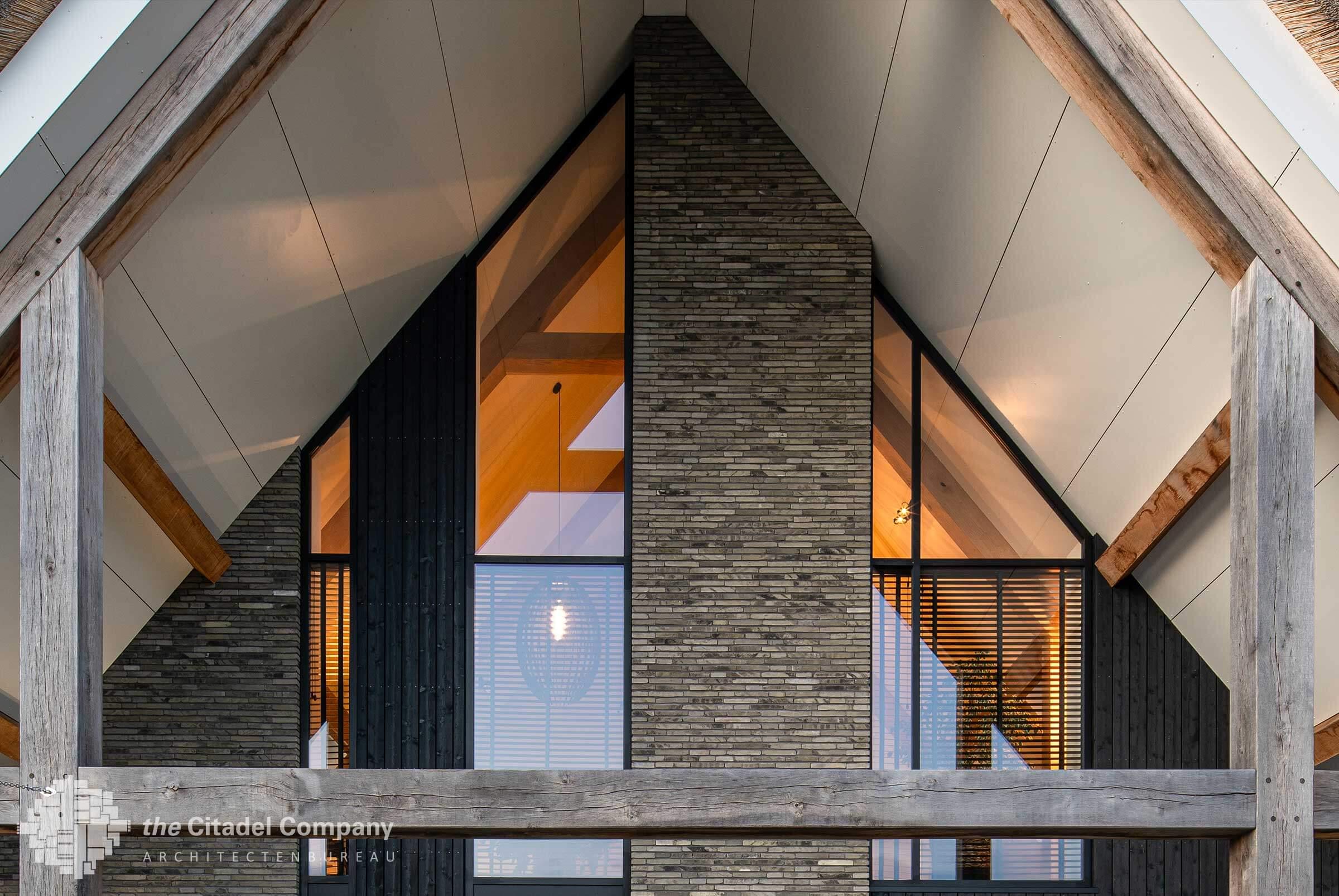 Moderne rietgedekte villa Blaricum